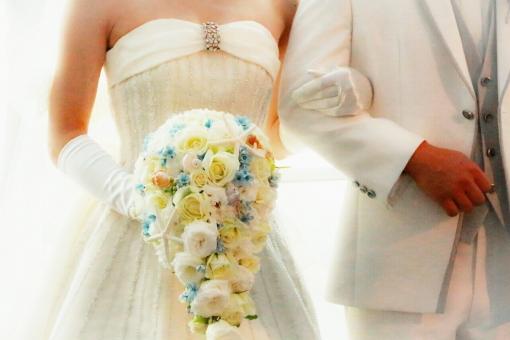 結婚式をせず身内だけでパーティーをしたい!パーティーで報告を行うメリットとデメリット