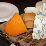 臭いチーズの定番!青かびチーズ(ブルーチーズ)とゴルゴンゾーラの特徴と違い