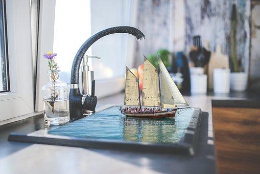 キッチンのつまりの原因と自分でできる対処法とリスク
