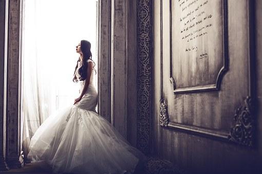 ロングトレーンのウェディングドレスを着たい!ウェディングドレスを選ぶ際のポイント