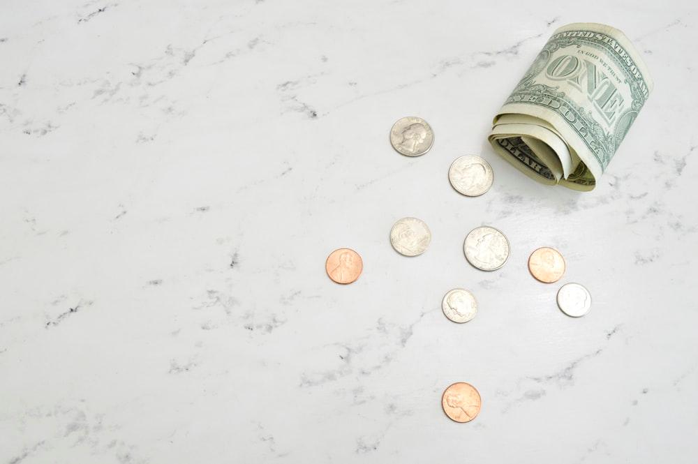 ケアマネージャーの給料の平均は?資格の取得の難易度は?