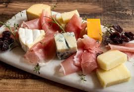 モン・ドールチーズとは?貴重なチーズの特徴と楽しみ方